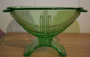 Mid-Century-Deco-Style-Art-Pressed-Glass-Bowl-in-Green-10-034-long-x-5-034-height