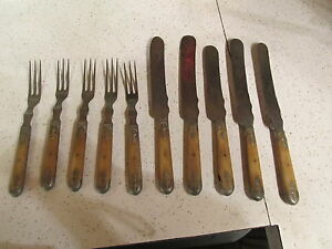American-Cutlery-Co-1883-5-Forks-3-Tine-5-Knives-Bone-and-Lead-Handles-HO
