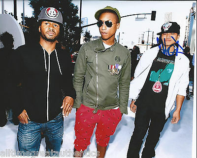 Rock & Pop Ambitious Producer Rap Dj Chad Hugo Signed 8x10 Photo W/coa Pharrell Williams C Elegant In Style