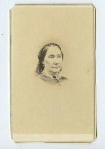 Vintage-CDV-Civil-War-Era-Woman-by-E-C-Swain-Malden-MA-N75