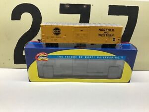 Athearn-Ho-Scale-N-amp-W-Norfolk-amp-Western-50-Superior-Door-Boxcar-RTR-New