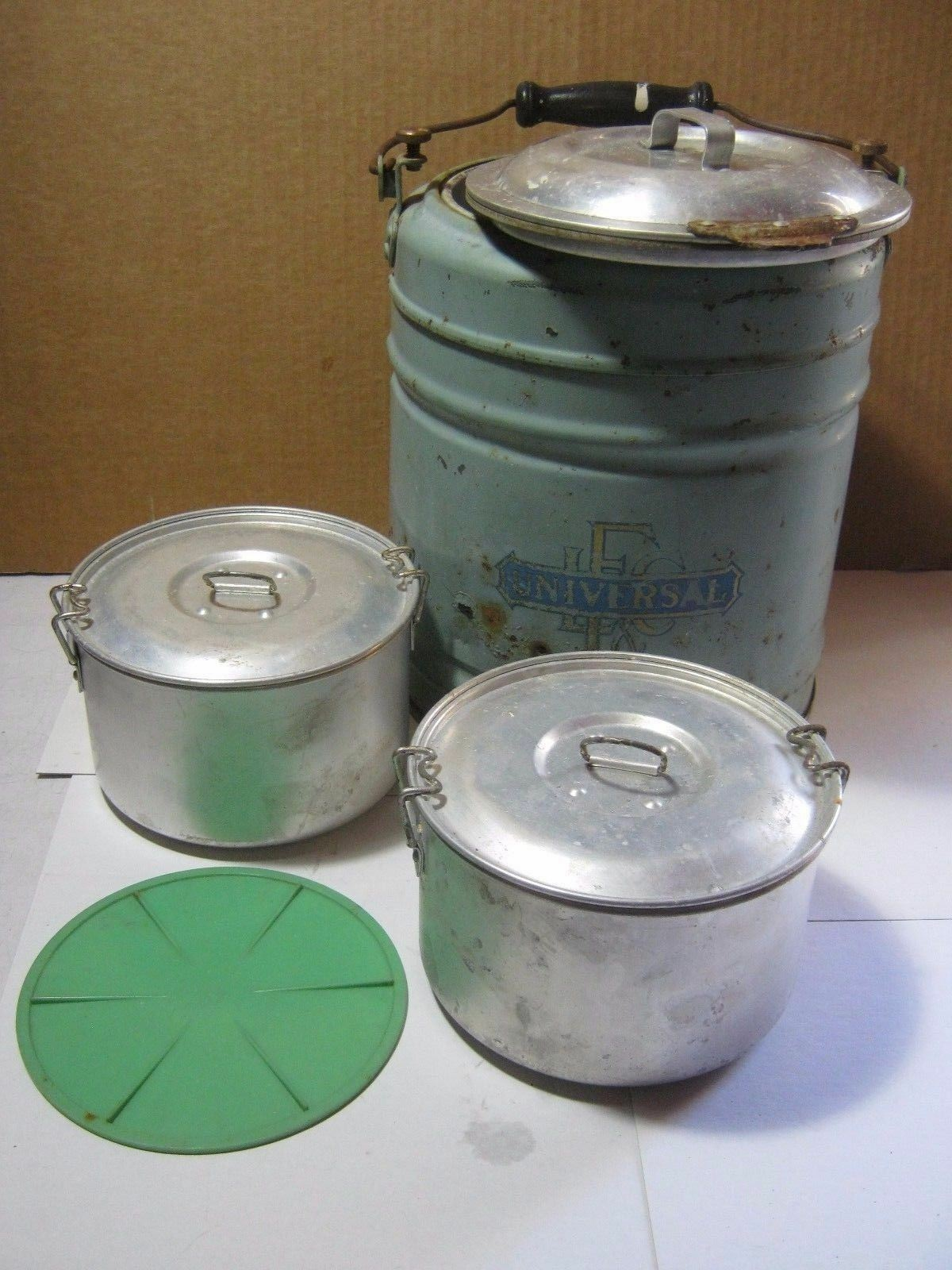 Vintage Landers Frary & Clark Universal Picnic Camping Metal Cooler Thermos   T*