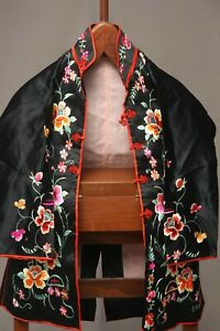 Antique-Chinese-Qing-Dynasty-Silk-Embroidered-textile-Jacket-Robe