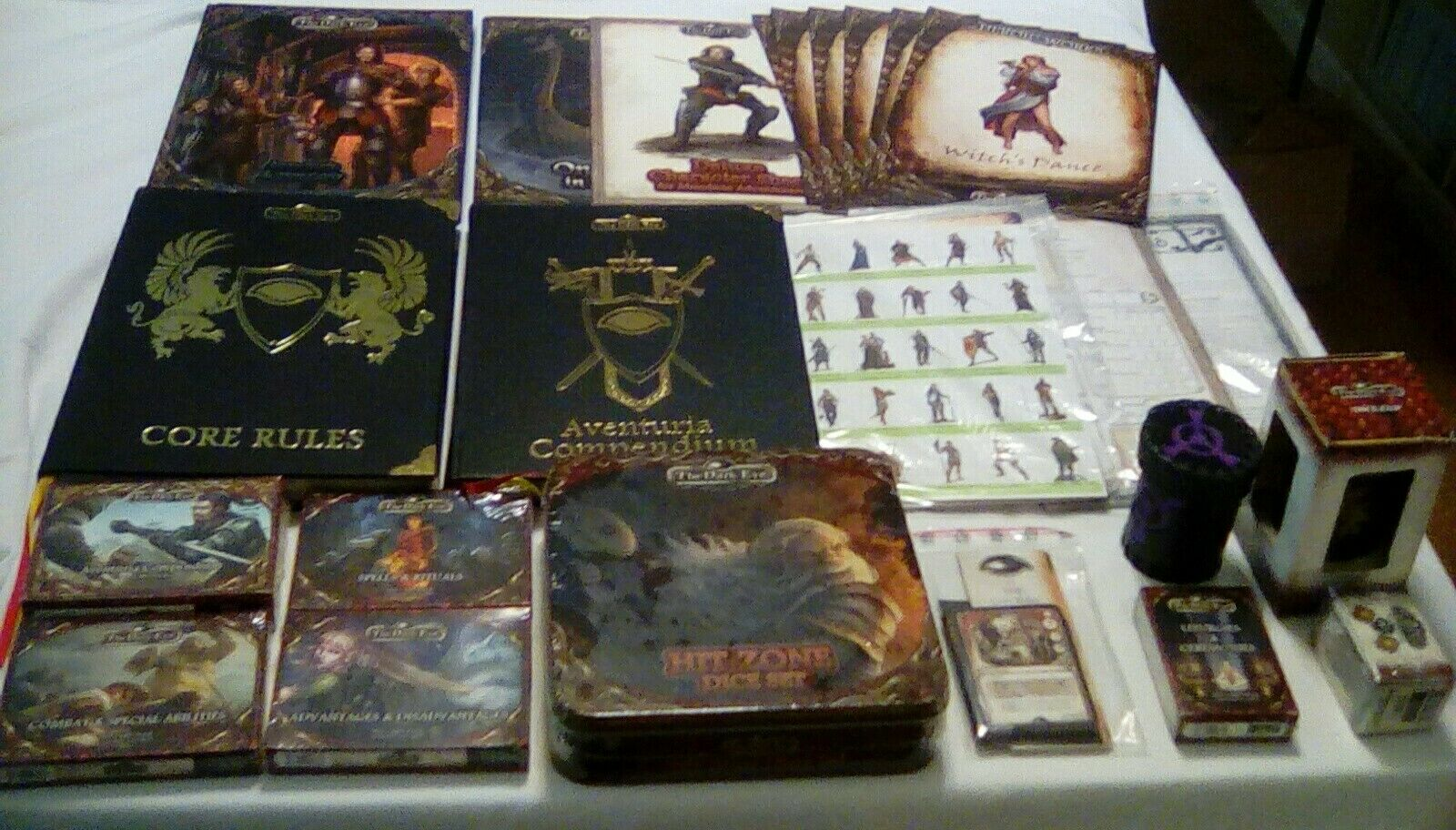 Th Dark Eye Deluxe Leather Edition Core Rules and and and Compendium Bundle+++ 6f545d