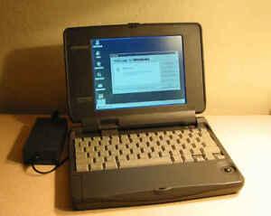Vintage-Compaq-Contura-Aero-4-33c-Mini-Laptop-Notebook-Windows-95