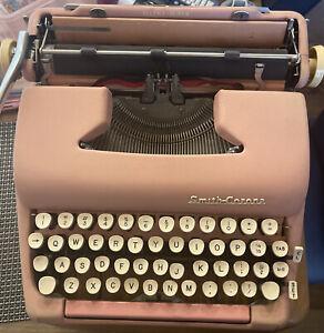 VINTAGE 1950's SMITH-CORONA SILENT-SUPER PINK TYPEWRITER RARE 1 Owner