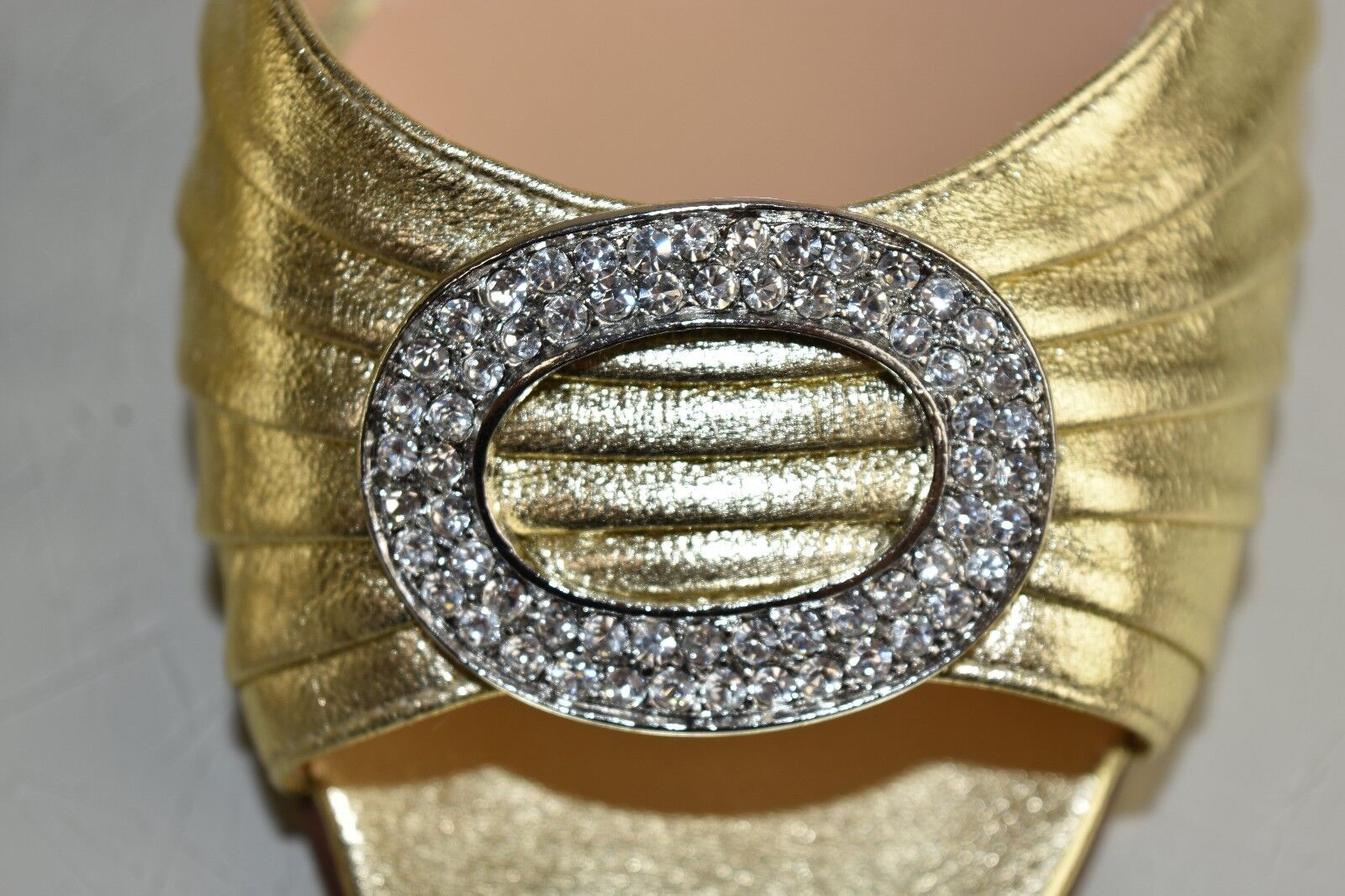 Neu Manolo Blahnik Sedaraby Gold Nappa Jeweled Jeweled Jeweled Dorsay Hochzeitsschuhe 41.5  102c84