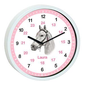 Details zu Wanduhr Kinder Pferd Lernuhr Kinderzimmer Uhr weiß Wunschnamen  kein Ticken