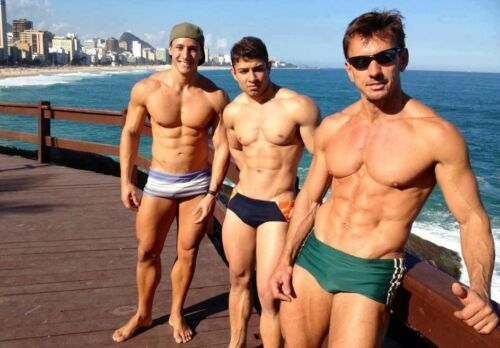 Shirtless Trio Muscular Male Hunks Guys Jocks Standing On Pier PHOTO 4X6 N424