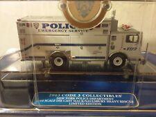 Code 3 New York Police Department Mack Saulsbury Heavy Rescue Squad 6 12550 vt
