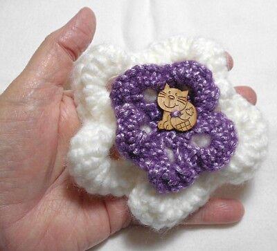 Crochet Black Kitty Cat Brooch Pin Crochet Brooch by MossyMaze | Crochet cat,  Crochet brooch, Crochet shawls and wraps | 363x400