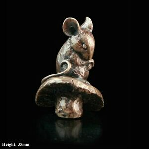 Mouse-On-Toadstool-Solid-Bronze-Foundry-Cast-Sculpture-by-Butler-amp-Peach-2045