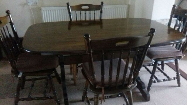 Solid wood dining table and 4 chairs to match # Excellent condition