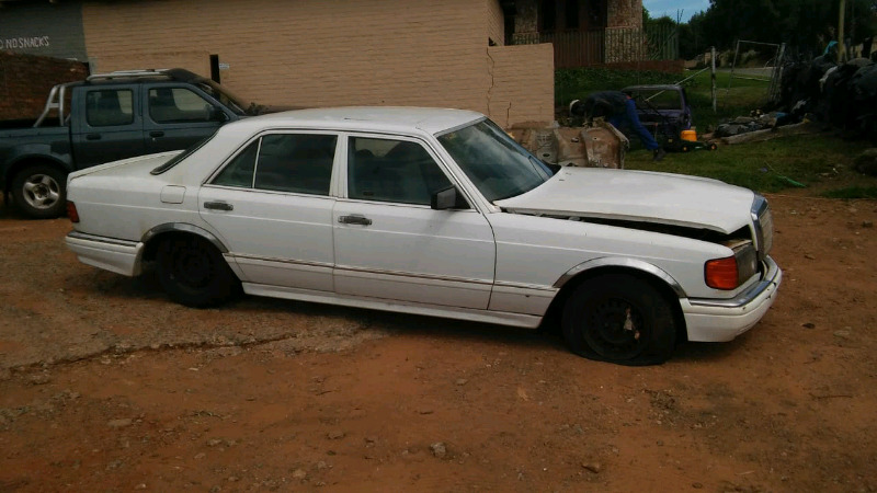 1990 Mercedes w124 300se stripping for parts