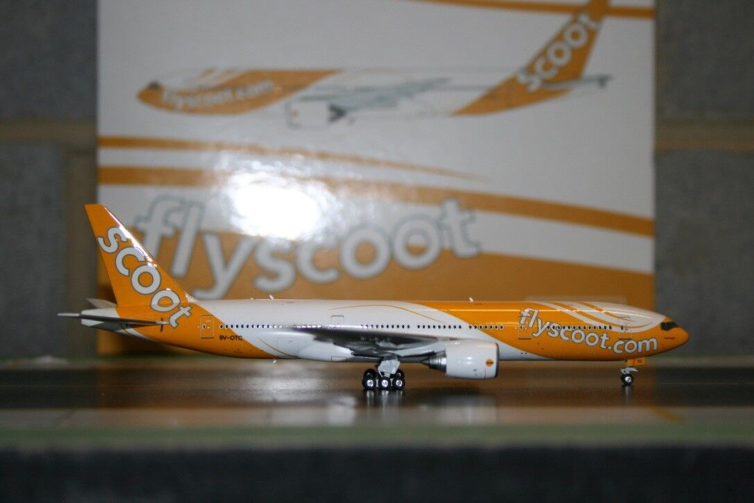 Phoenix 1 400 Scoot Boeing 777-200 9V-OTC (PH10629) Die-Cast Model Plane