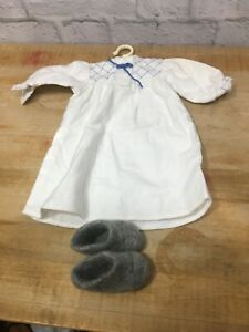 Retired-American-Girl-Doll-Kirsten-s-Nightgown-W-Wool-Slippers