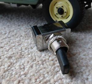 Land-Rover-Serie-passend-Qualitaet-Lucas-Typ-rot-LED-Kipp-Schalter-2-Positionen