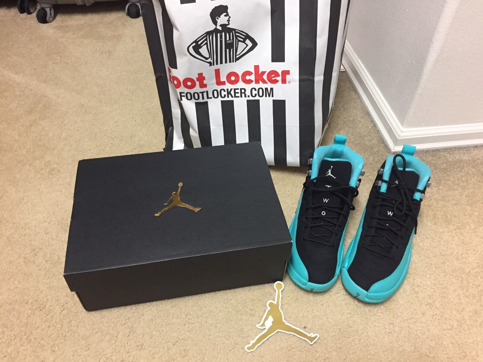 Air jorden 12 hyper jade size 6Y for big kids