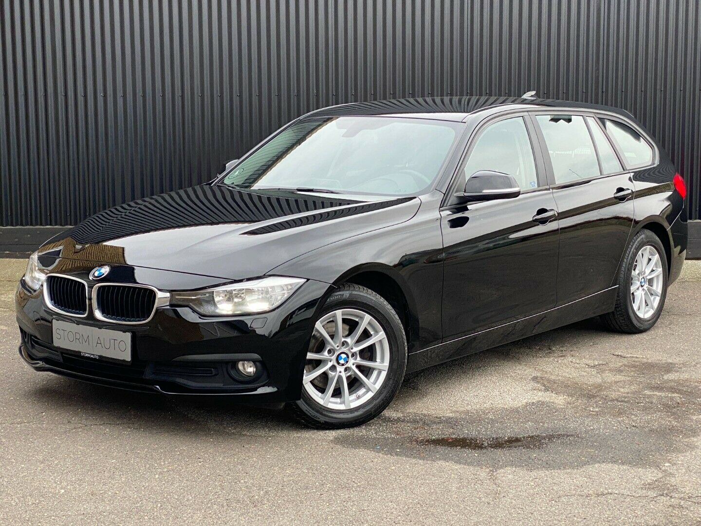 BMW 318d 2,0 Touring 5d - 189.900 kr.