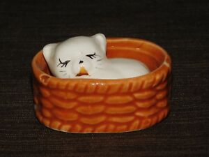 VINTAGE-2-3-4-034-X-2-034-X-1-1-4-034-HIGH-MINI-CERAMIC-KITTEN-CAT-IN-BASKET
