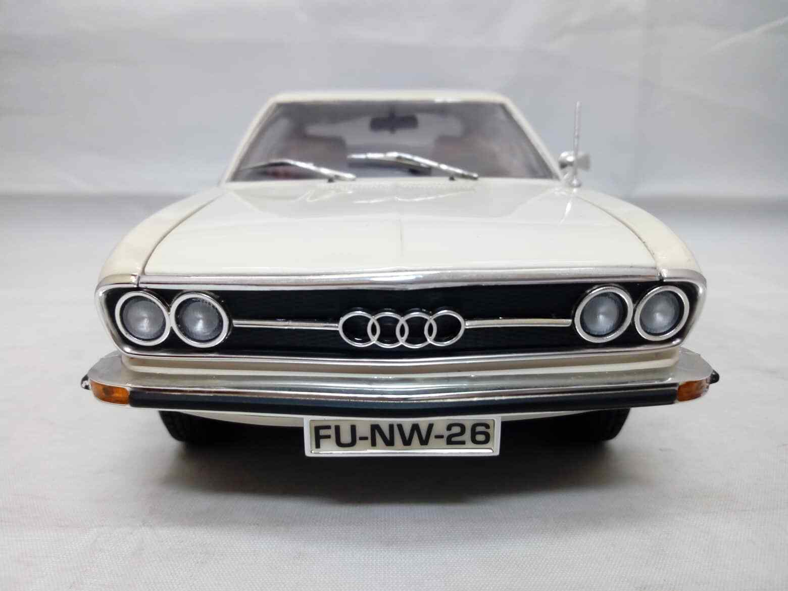 AUDI 100 COUPE S Weiß ANSON 30402 1 18
