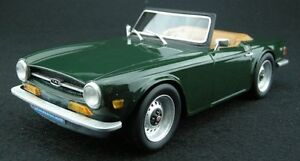 LUCKY-STEP-COLLECTIBLES-002A-TRIUMPH-TR6-resin-model-road-car-green-1-18th-scale