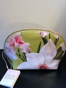 8bda036c0 TED BAKER LONDON CHATSWORTH BLOOM DOME MARCENE POUCH COSMETIC MAKEUP ...