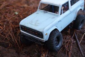 Traxxas-trx4-Custom-Bronco-Roller-1-10-Scale-Crawler