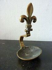 Ancienne Lampe à Huile  FLEUR DE LYS  Caleil Bronze Laiton 19eme Rat de Cave