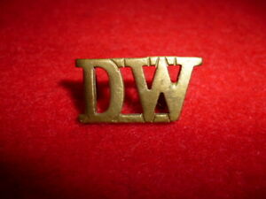 Duke-of-Wellington-039-s-West-Riding-Regiment-Brass-Shoulder-Title-Badge
