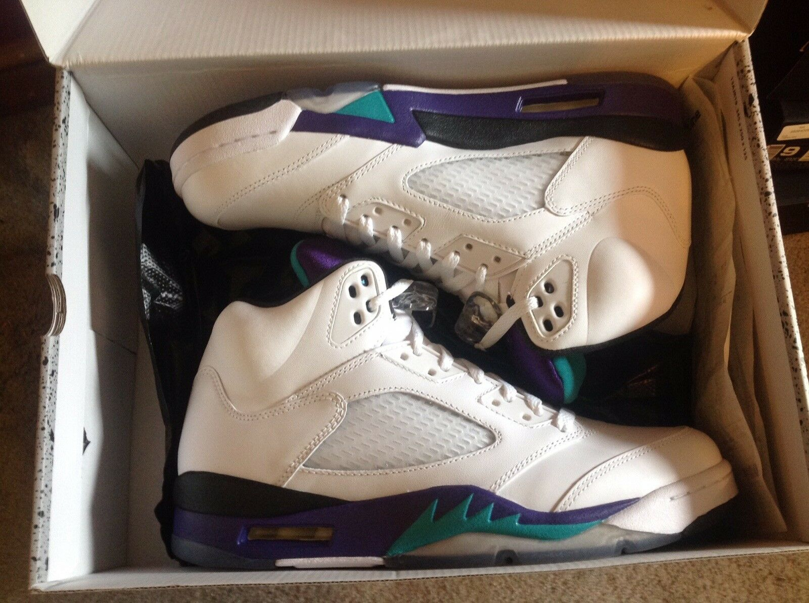 Air Jordan 5 White Grape DS Size 9 W/ Receipt 100% Authentic