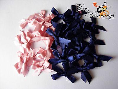 Precio Barato Venta De Liquidación 20 Satén Azul Marino Arcos + 20 Musky Satén Rosa Arcos 99p Larga Vida De Rendimiento