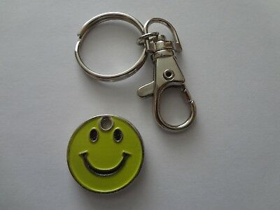 Trolley Token Keyring Smiley Lime background