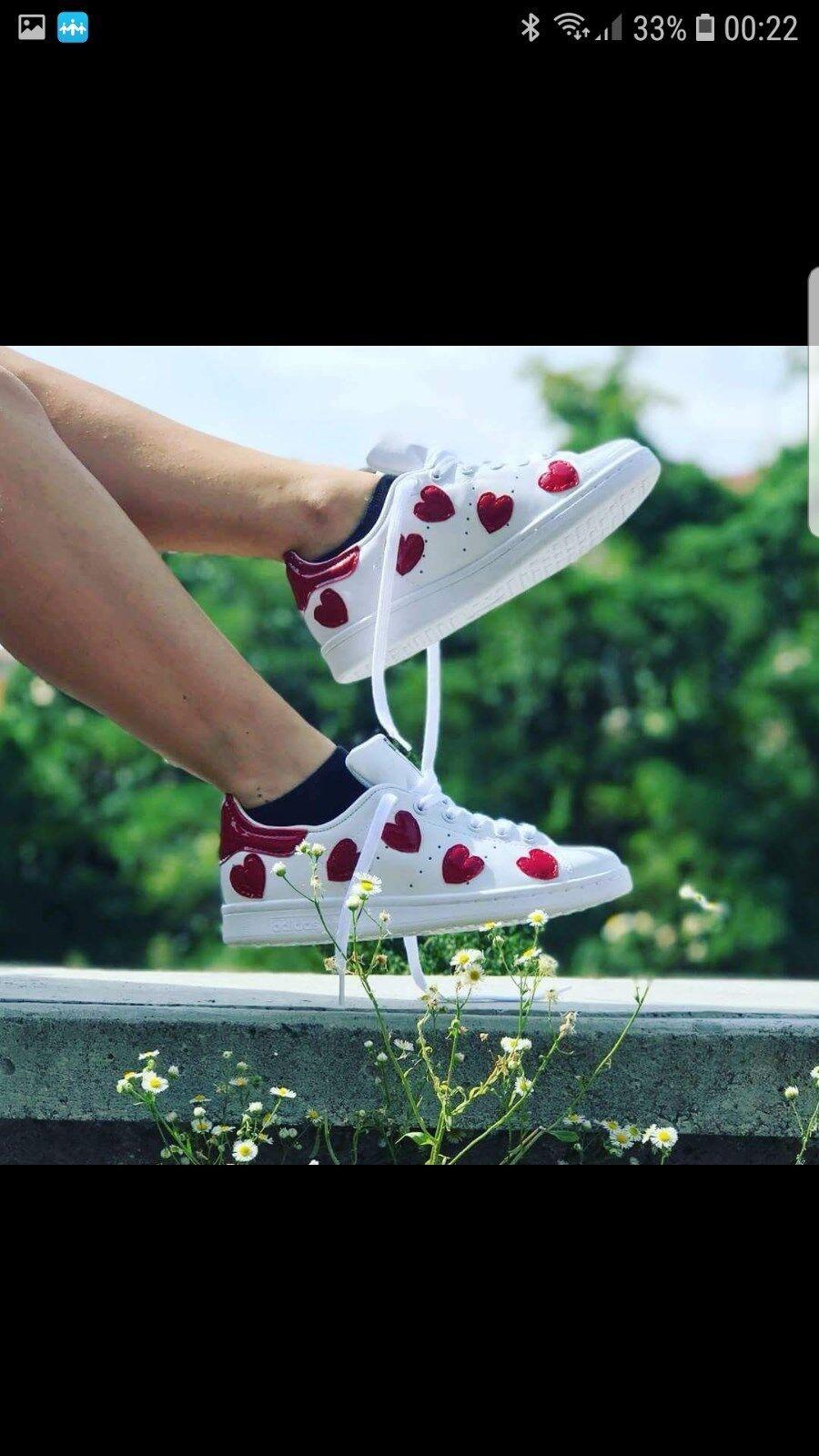 scarpe adidas stan smith con tacco e  cuori rossi in pelle