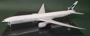 Blue-Box-1-200-Boeing-777-300ER-Cathay-Pacific-B-KQQ-with-stand