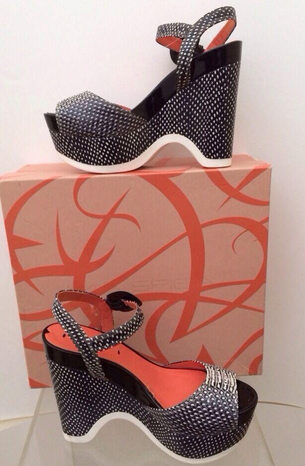 VIA SPIGA Aubrey Cream Black Quarter Strap Funky Platform Wedge Sandal Sz 8 NEW