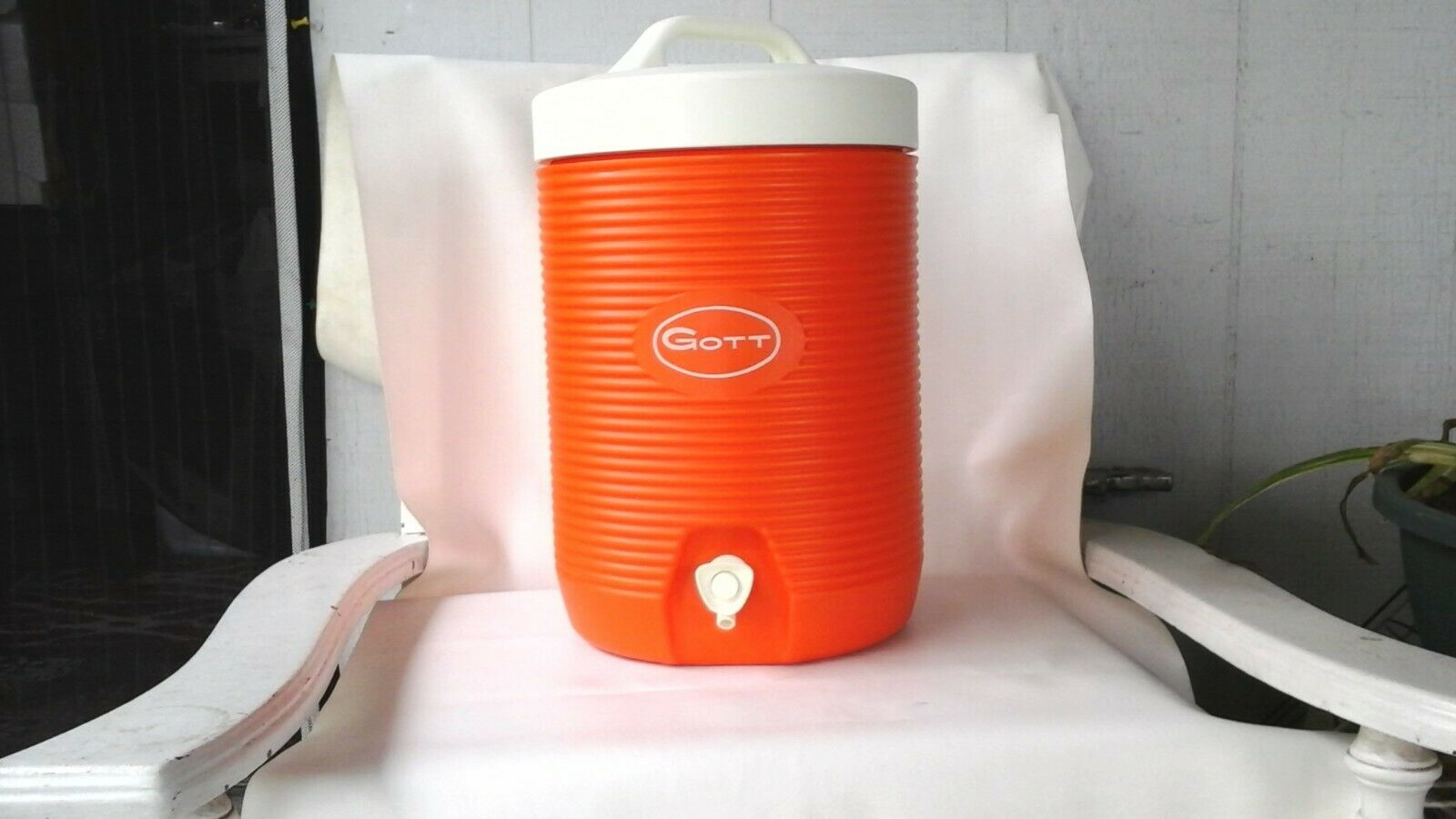 orange GOTT  SPORTS ICE COOLER JUG W-DRINK CUP PORTABLE PICNIC CAMP 2 GALLON NICE  beautiful