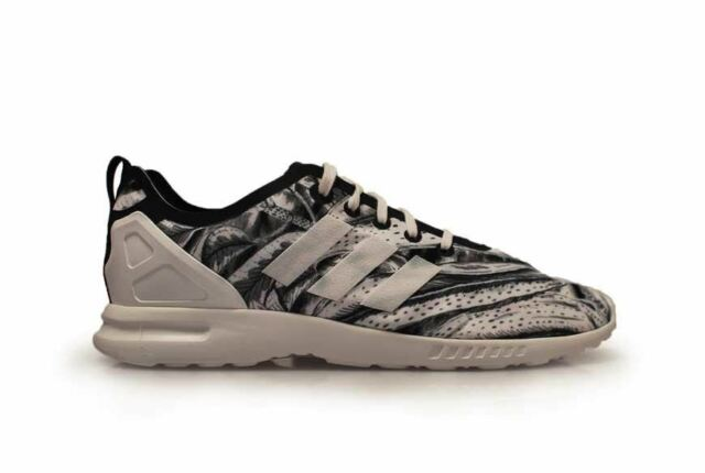 6a6e6dd95 ... purchase womens adidas zx flux smooth s82936 white black trainers 833de  0cf98