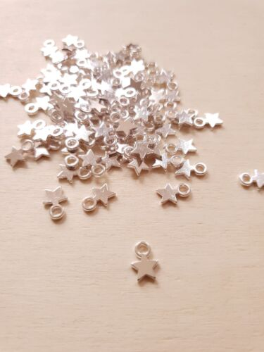 50 x Wunderbar silberne kleine Stern Anhänger ★ Lagerräumung!
