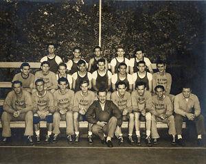 New-York-Knicks-Original-Team-1946-47-8x10-B-amp-W-Team-Photo