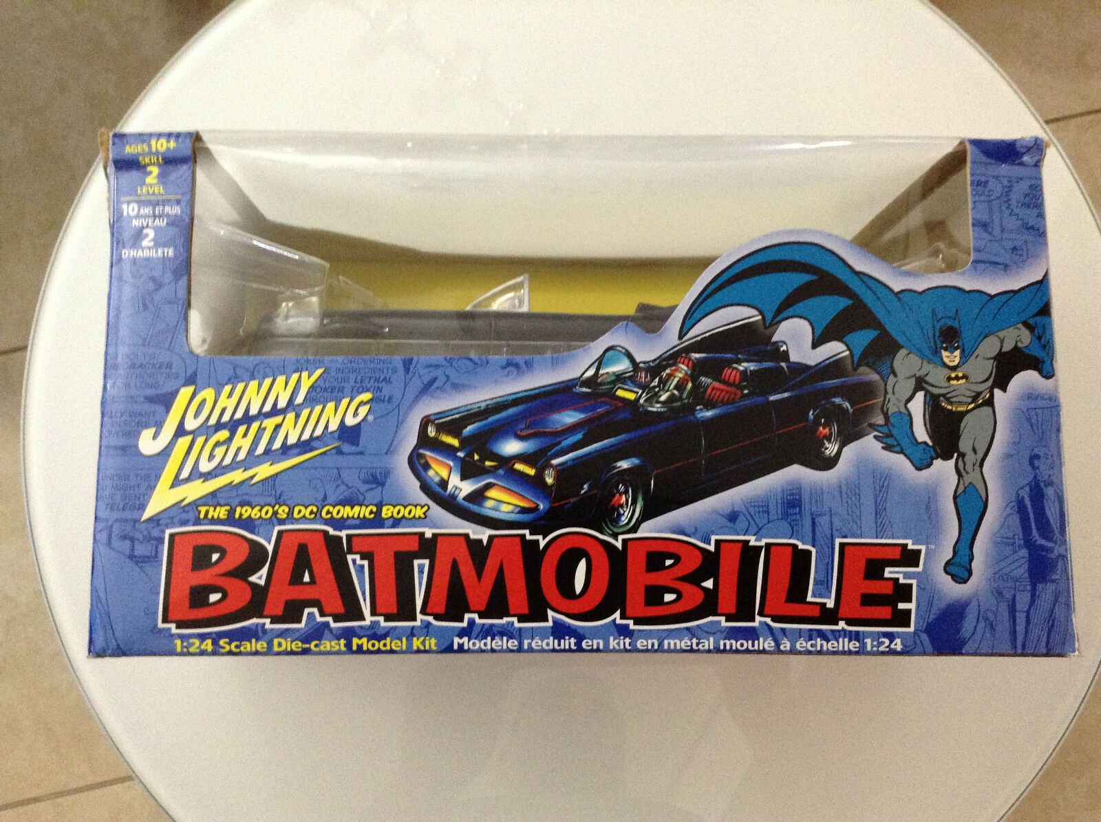 Batman in den 1960ern dc comic - batmobil 24 skala die-cast modell kit vehicle1