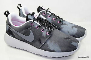 Wmns Nike Rosherun Print Size 10 Black/Cool Grey 599432-001 New in Box