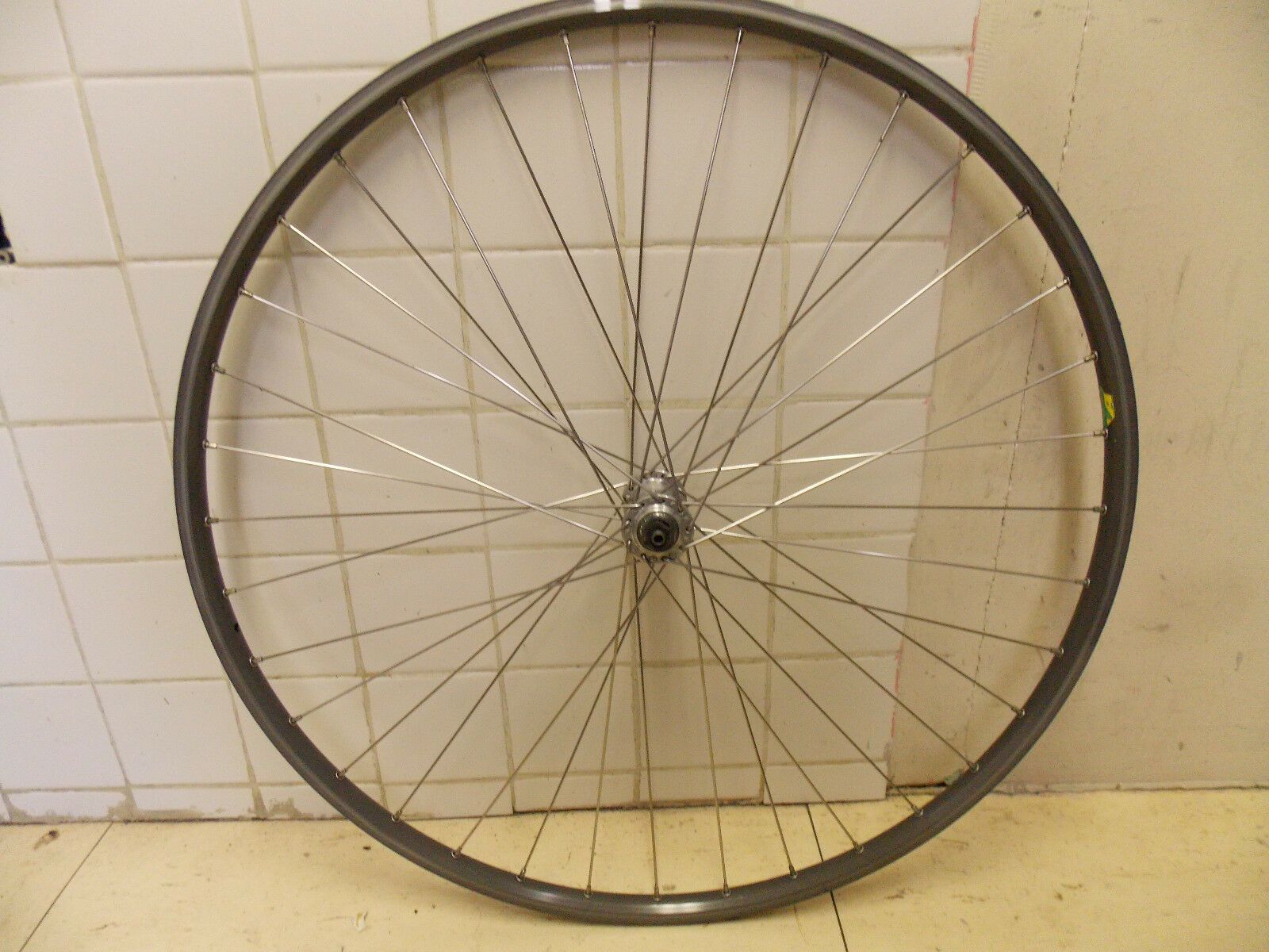 Shimano HB-2200 Mavic Open CD Front Road Wheel   first-class service