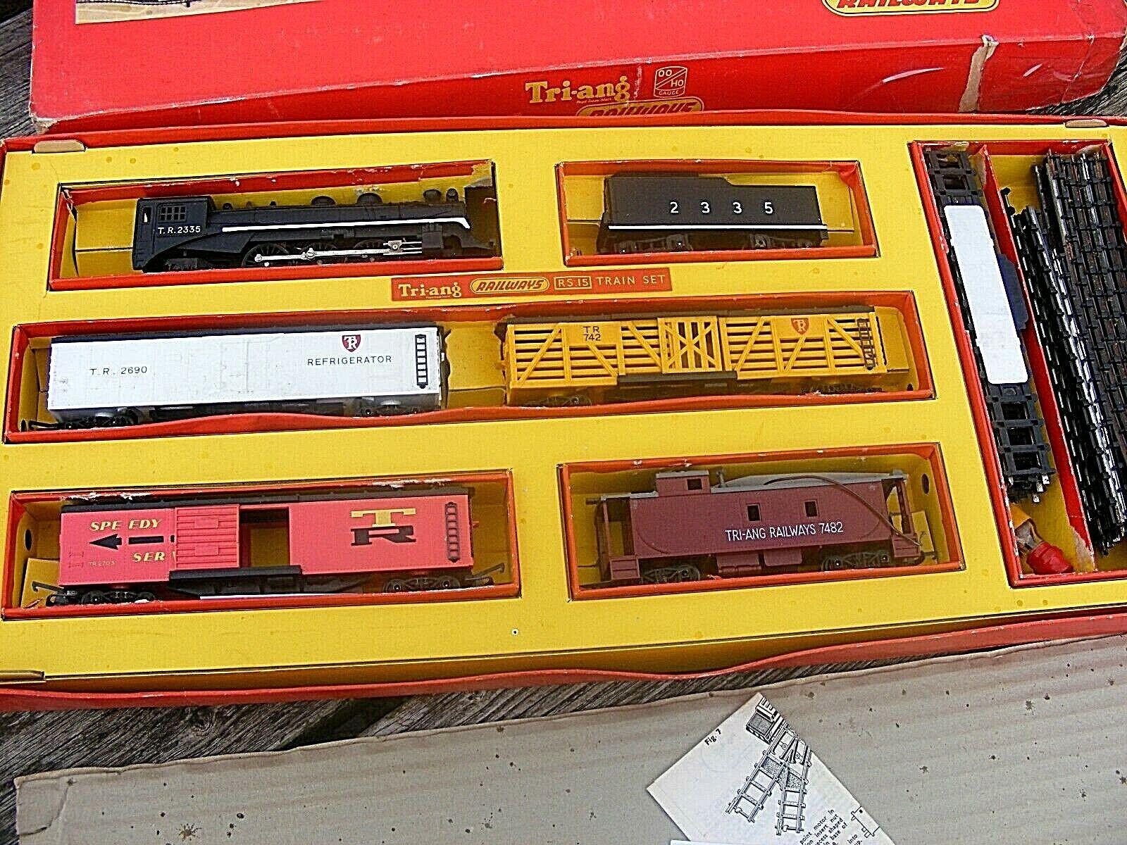 TRIANG RAILWAYS TRAIN SET RS.15