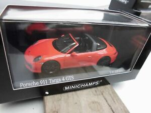 Porsche-911-Targa-4-GTS-991-2-lavaorange-Minichamps-410-067341-1-43