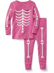 55cd16977 NWT Old Navy Glow in the Dark Pink Skeleton Pajamas 2-pc Sleep Set ...