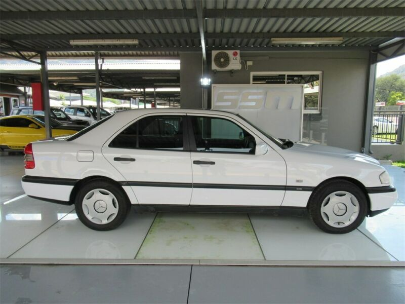 1996 MERCEDES-BENZ C180 CLASSIC ONLY 244203KM, WHITE with 244203km available now!