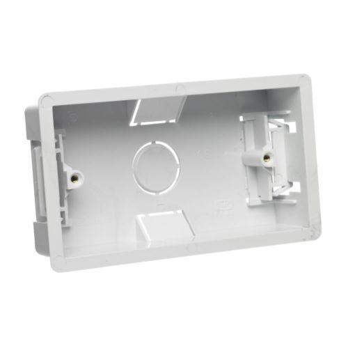Dry doublure arrière boîte flush mur pattress pour double 2 gang prise électrique