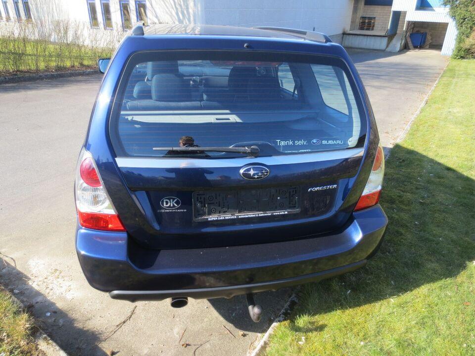 Subaru Forester 2,0 X AWD Benzin 4x4 4x4 modelår 2005 km
