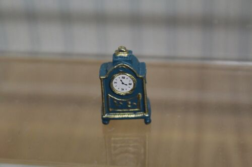 Dolls House in resina mantel clock
